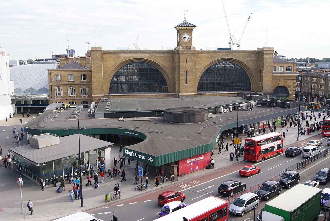 1280px-King's_Cross_railway_station,_London,_UK_-_20120726-02