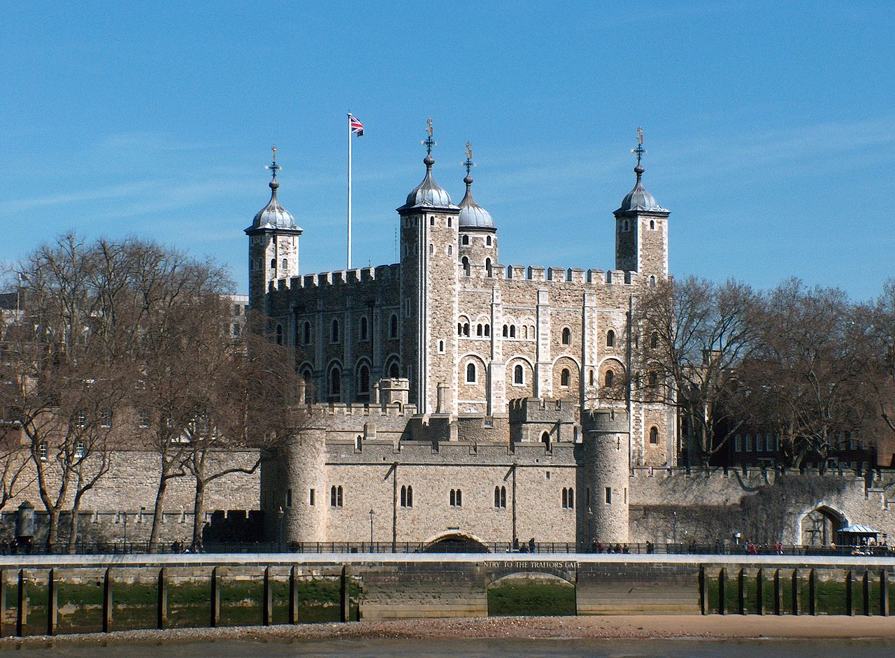 1280px-Tower_of_London,_April_2006